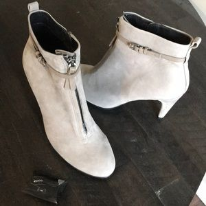 Ecco Heeled Boots Taupe Size 40 US Size 9-9.5